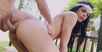 Boneca Bruna Castro transou no jardim